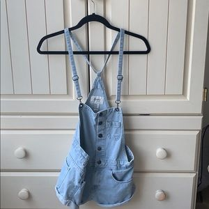 forever 21 overall shorts!